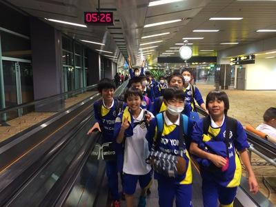シンガポール空港エスカレーター.jpg